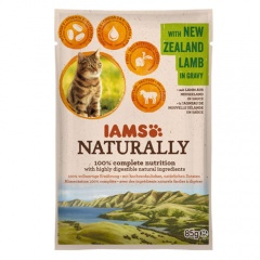 IAMS Naturally húmido com cordeiro para gatos