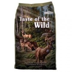 Taste of the Wild Pine Forest com Veado